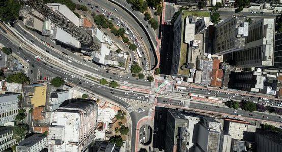 obstáculos que a logística encontra no Brasil